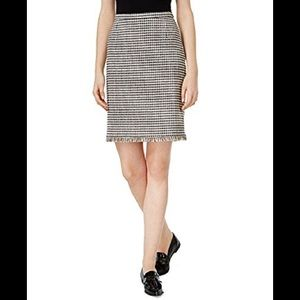 Weekend Max Mara Tweed Fringe Pencil Skirt